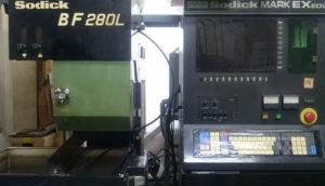 ワイヤーカット放電加工機<br>BF280L(ソディック製)